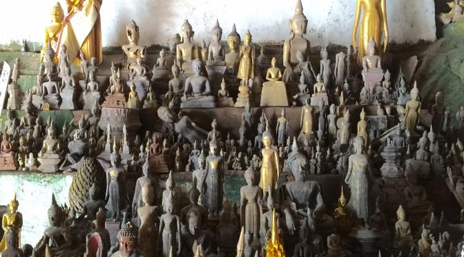 4,000体以上の仏像が洞窟に・・・パークウー洞窟すごい!!